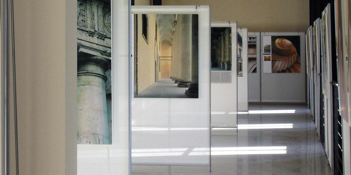 Espositori pubblicitari pannelli e display espositivi per - Mostre d arte in piemonte ...